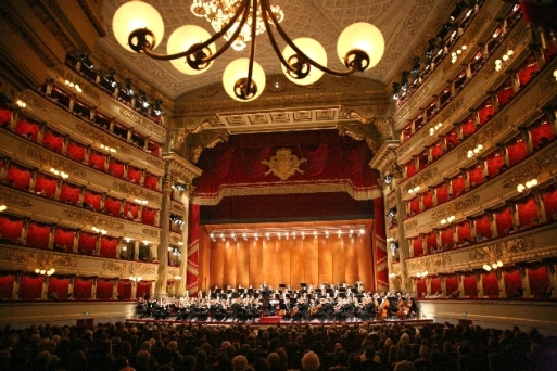 La scala Theater / Opera House